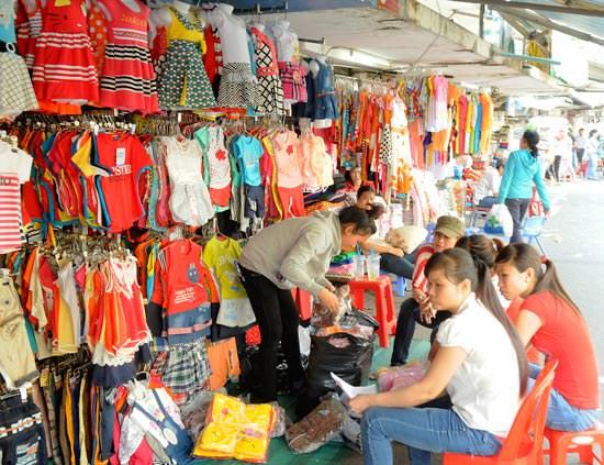 lấy sỉ quần áo trẻ em ở chợ